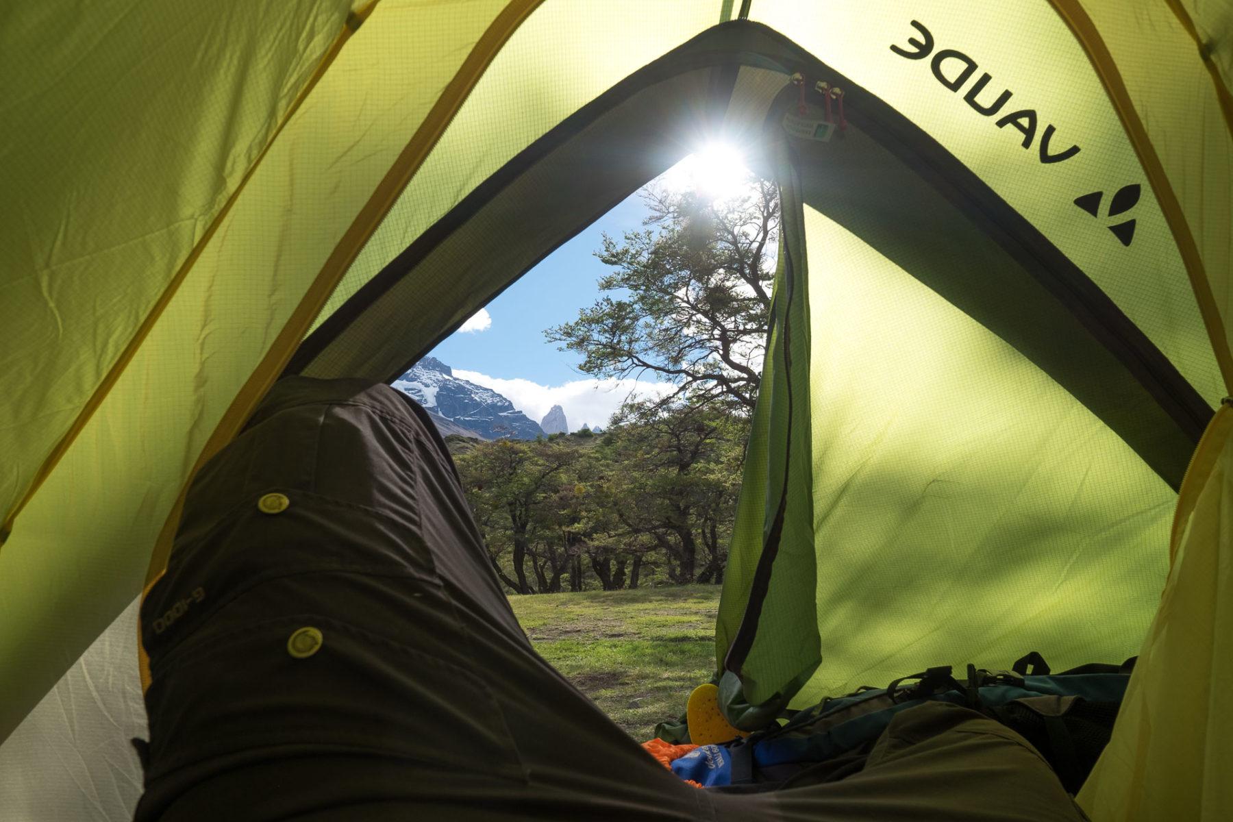 Blick auf die Torres – aus dem Zelt heraus