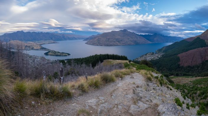 Queenstown und Lake Wakatipu von den Queenstown Hills